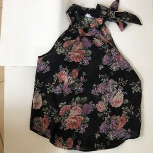 Floral sleeveless blouse with neck tie size M